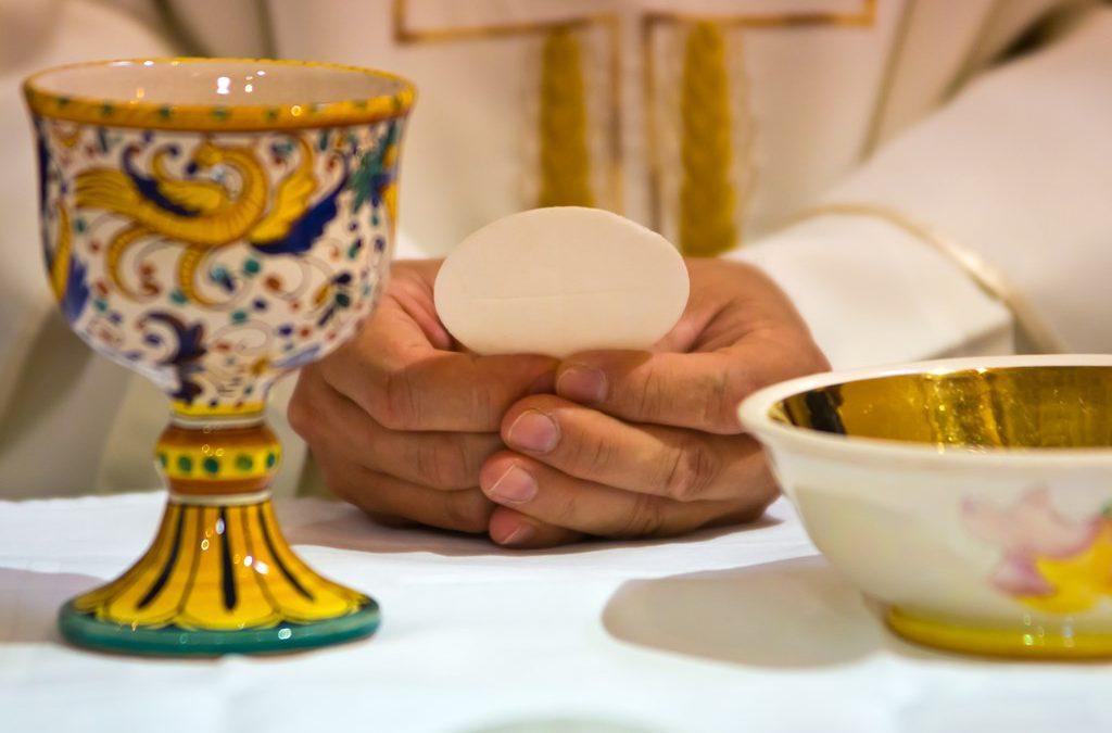 Brak możliwości przyjęcia Komunii Św. nie przerywa praktyki pierwszych piątków miesiąca