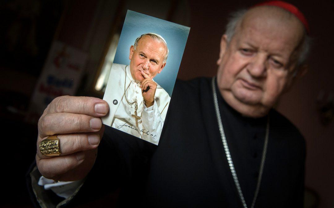 Kard. Dziwisz o św. Janie Pawle II: dzieło jego życia przynosi nadzieję w czasie pandemii