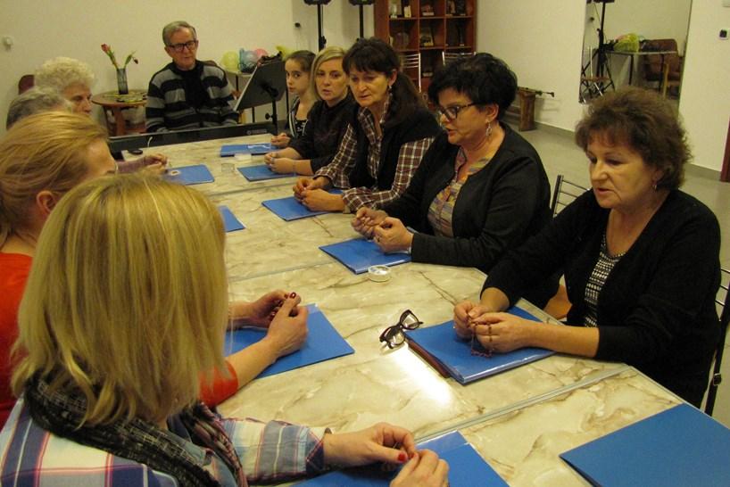 Zambrów: Teatr Form Różnych odpowiada na apel Komisji Maryjnej Konferencji Episkopatu Polski