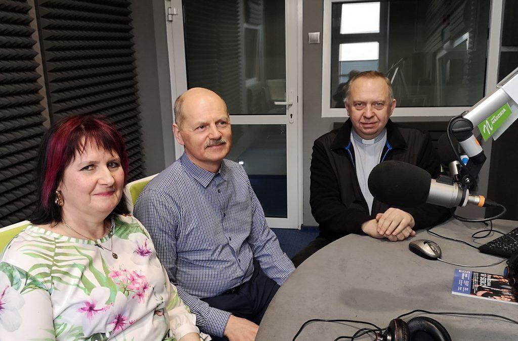 GD: ks. Andrzej Popielski oraz Halina i Kazimierz Łupińscy – Pragniemy aby Chrystus był dostępny 24 godziny na dobę dla każdego z nas