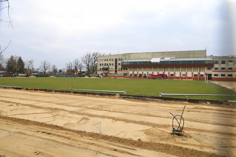 Ostrów Mazowiecka: Trwa remont stadionu miejskiego