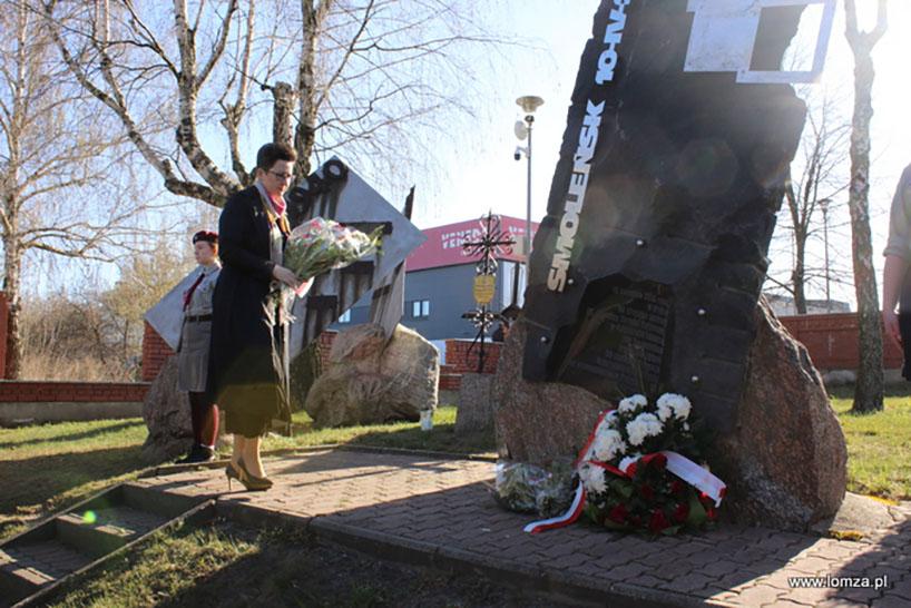 Łomża: Uczcili 10. rocznicę katastrofy smoleńskiej [FOTO]