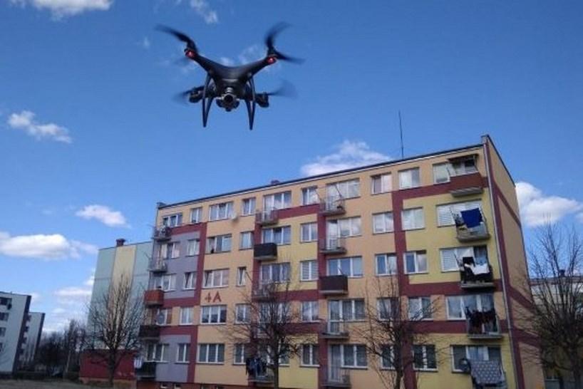 Koronawirus: Ulice Ostrołęki patroluje policyjny dron