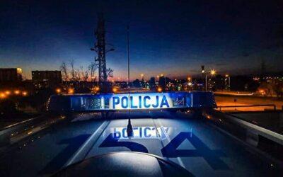 Łomża: policjanci uratowali 14. miesięczne dziecko z nagrzanego samochodu