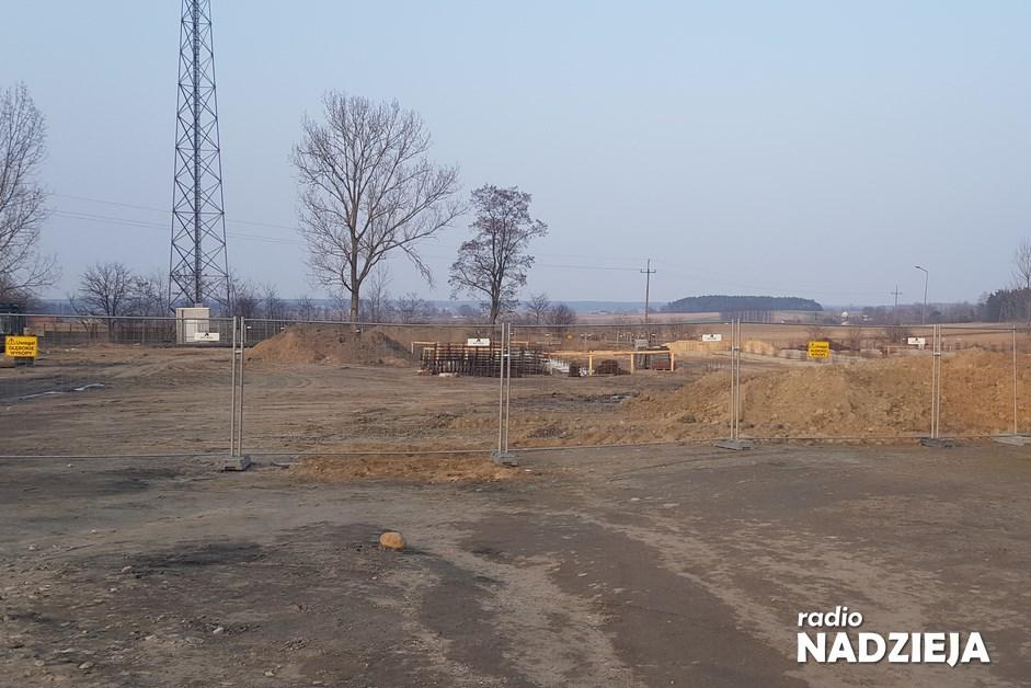 Sokoły: Trwa budowa nowego targowiska