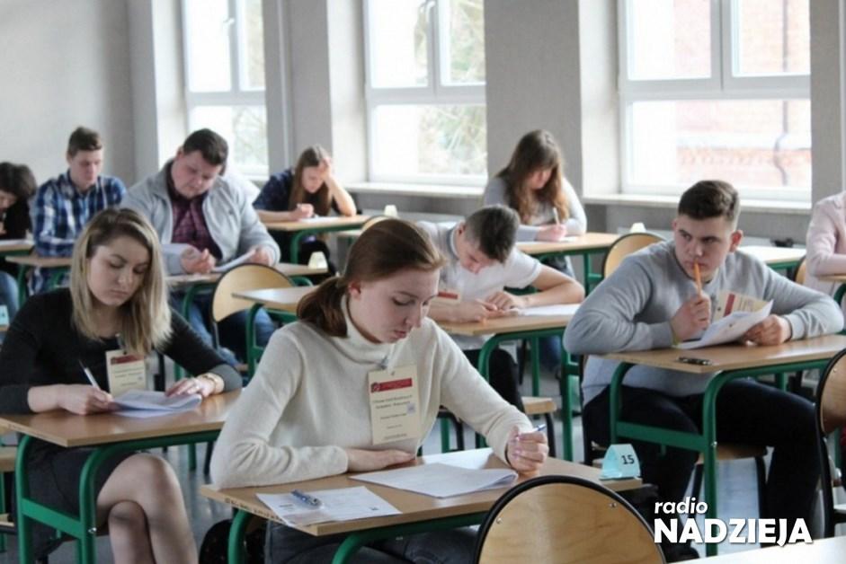 Kraj: Dzisiaj początek próbnych egzaminów ósmoklasisty