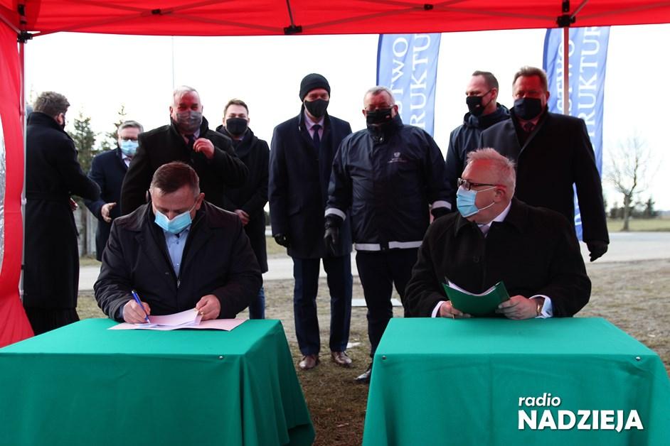 Chojny Młode: Podpisano umowę na przebudowę skrzyżowania