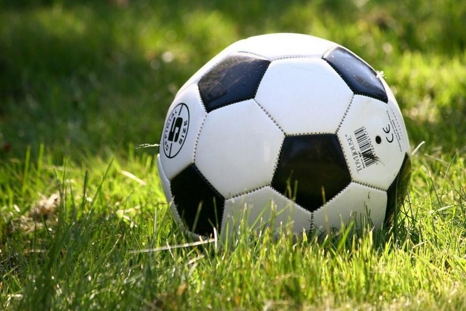 Piłka nożna: ŁKS Łomża podejmie Sokoła Sokółkę