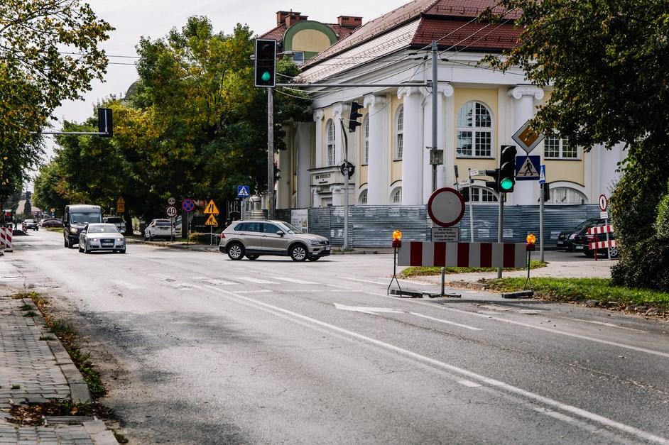 Ostrów Mazowiecka: Inwestycje drogowe idą pełną parą