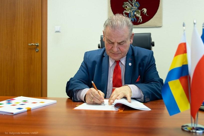 Gmina Wąsosz: Samorząd otrzymał dofinansowanie na mikroinstalacje OZE