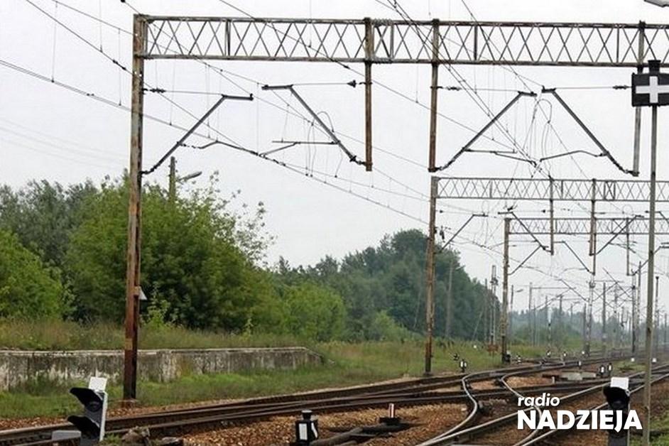 Czyżew: Uszkodzona trakcja kolejowa. Wstrzymano ruch pociągów [AKTUALIZACJA]