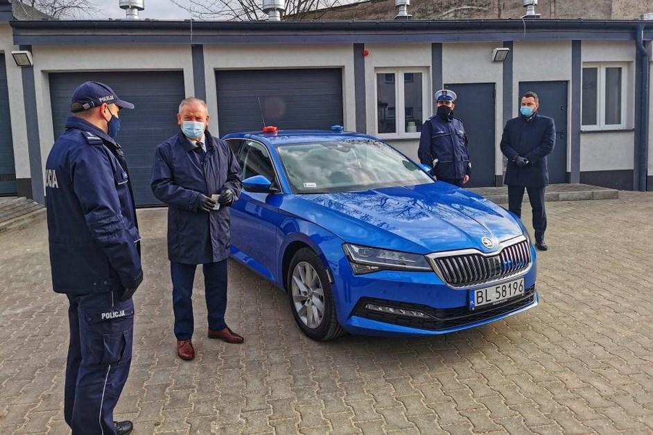Łomża: Nowa skoda w służbie policji