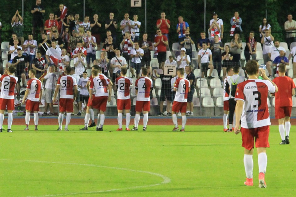 Piłka nożna: ŁKS gromi na wyjeździe Spartę Szepietowo