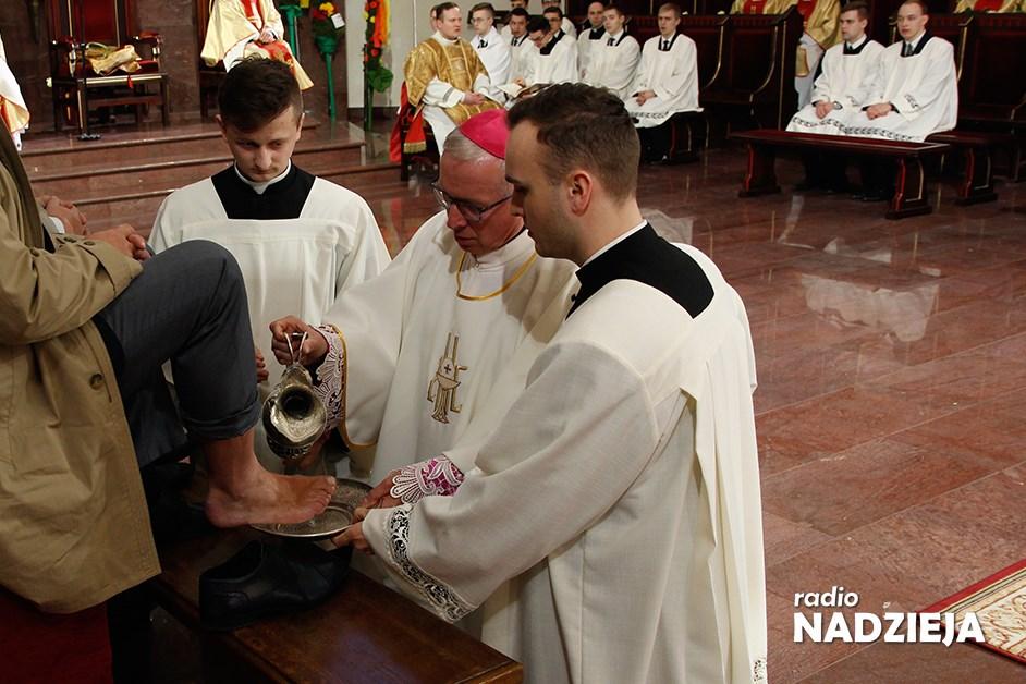 Msza Wieczerzy Pańskiej w Wielki Czwartek rozpoczyna w Kościele obchody Triduum Paschalnego