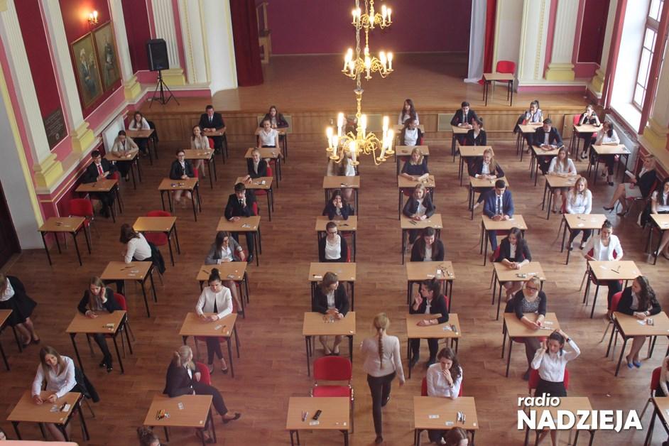 Kraj: Egzaminy maturalne i ósmoklasisty w terminie