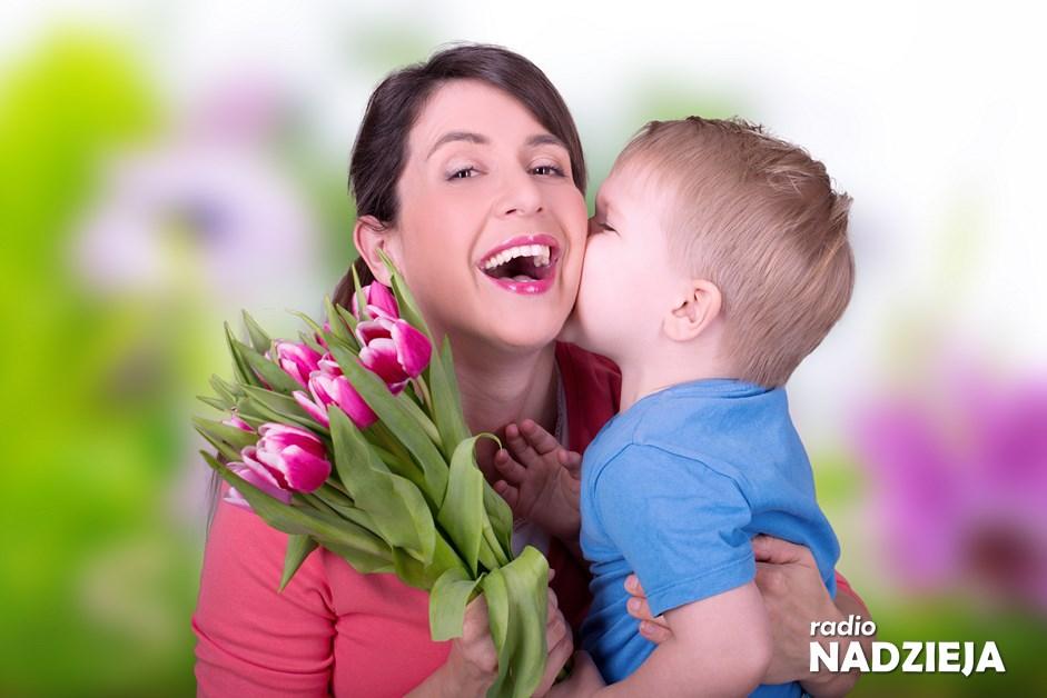 Dzień Matki: Mieszkańcy Łomży składają życzenia