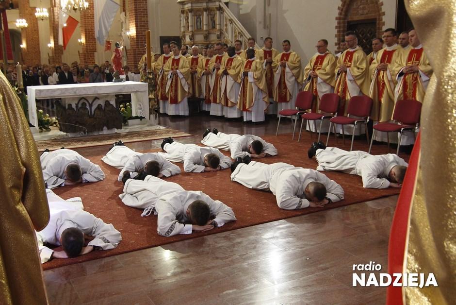 Wiara: Siedmiu alumnów przyjmie w sobotę święcenia diakonatu