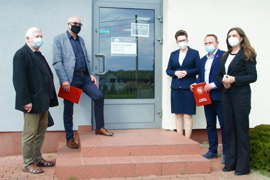 Powiat łomżyński: W Giełczynie ruszył punkt szczepień