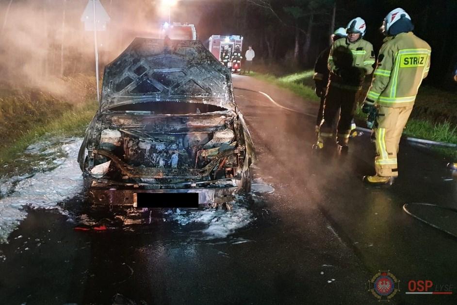 Gmina Łyse: Samochód spłonął na drodze