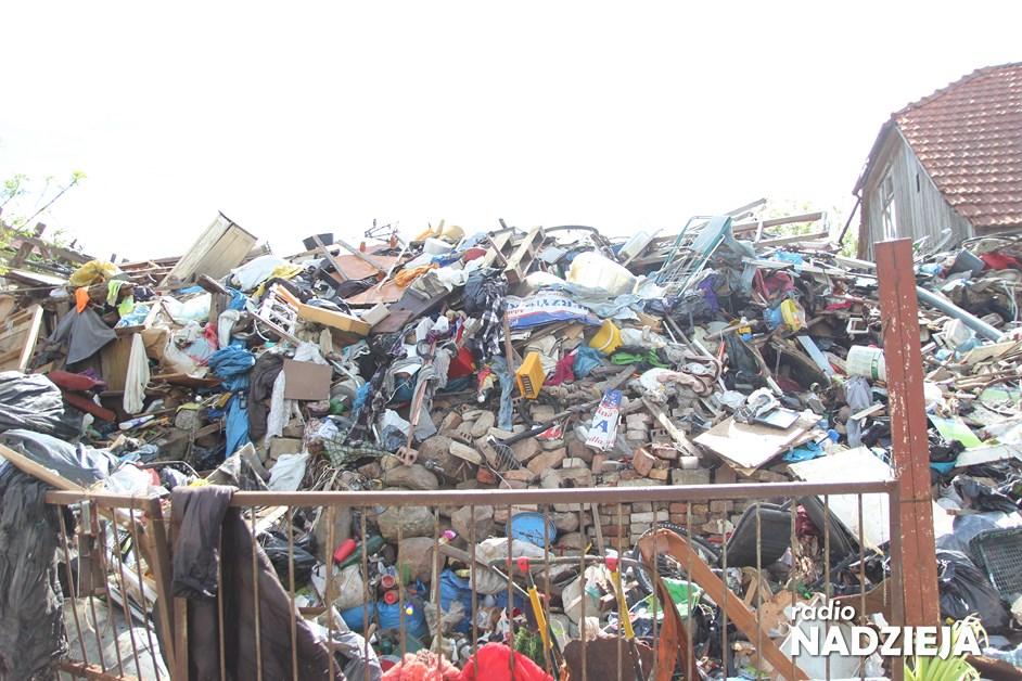 Piątnica: Z nielegalnego składowiska wywieziono tony śmieci