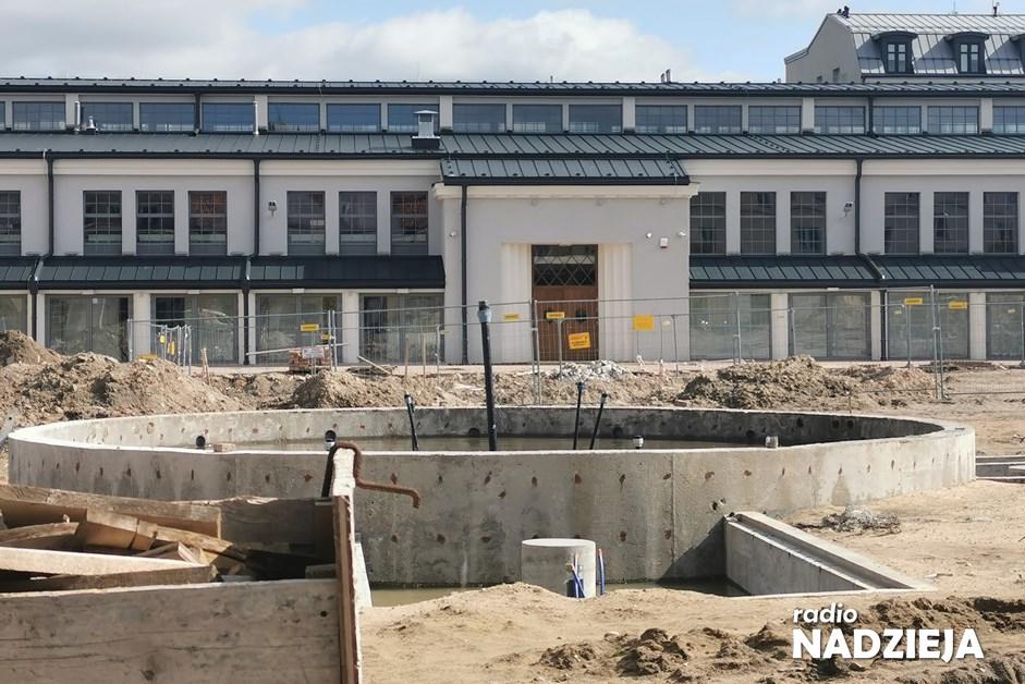 Łomża: Prace przy Starym Rynku wznowione