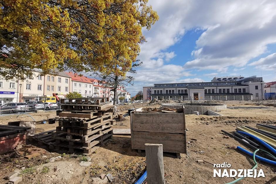 Łomża: Będzie więcej drzew na Starym Rynku. Miasto dogadało się z konserwator