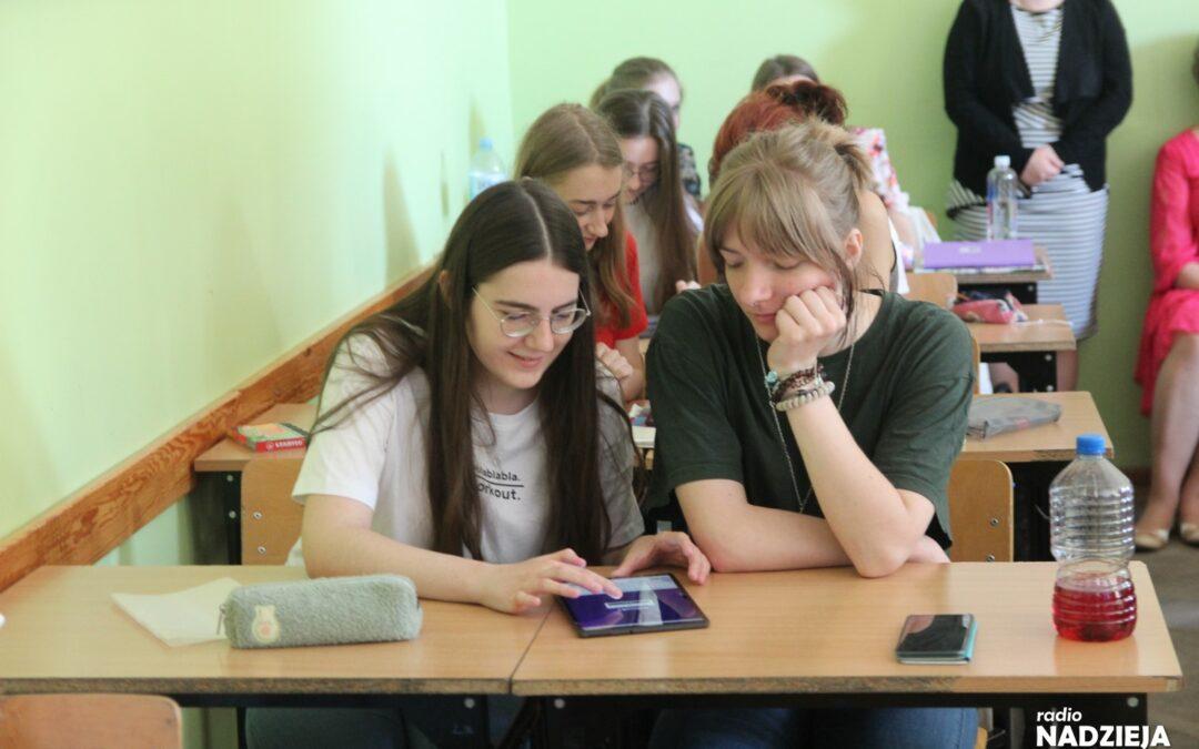 Ostrołęka: Sprzęt komputerowy służy młodzieży i szkołom