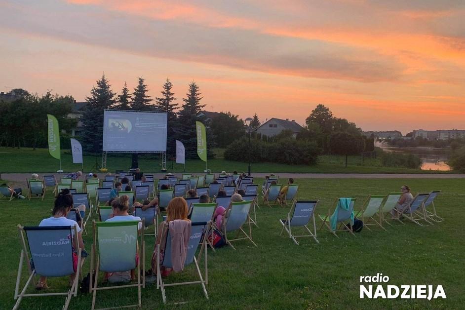 Letnie Kino Nadziei: Za nami seanse w Kołakach i Zambrowie