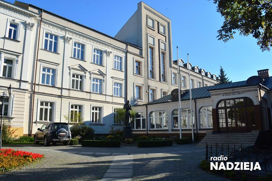 Wiara: Odkryj swoje powołanie – trwa rekrutacja w Wyższym Seminarium Duchownym w Łomży
