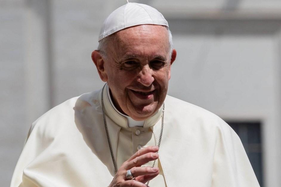 Komunikat Watykanu: Rehabilitacja papieża w klinice Gemelli przebiega zgodnie z planem