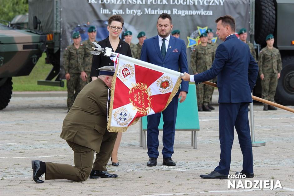 Łomża: Nadanie sztandaru dla 18. Łomżyńskiego Pułku Logistycznego