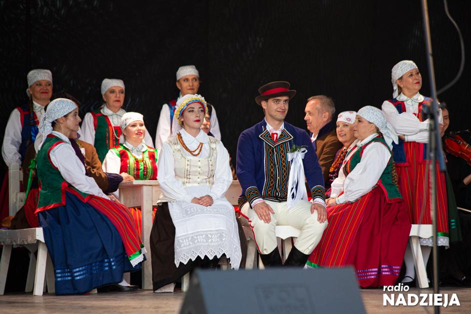 """Nowogród: Premiera widowiskowego """"Wesela na Kurpiach"""""""