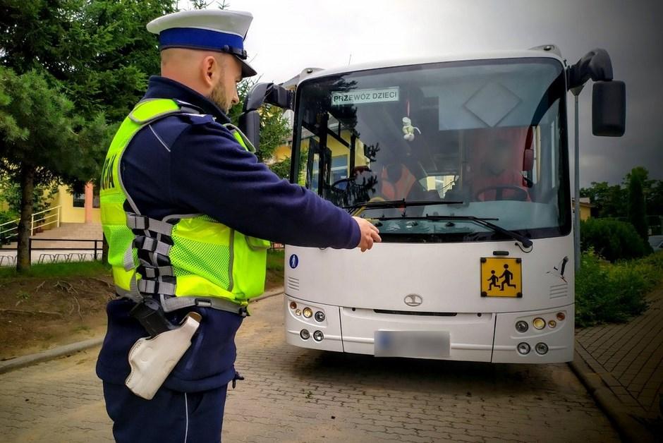 """Region: Policja prowadzi akcję """"Bezpieczna droga do szkoły"""""""