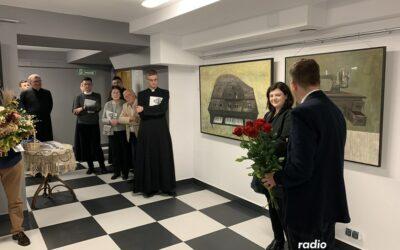 """Łomża: Wystawa """"Odcienie bliskości"""" w Muzeum Diecezjalnym otwarta"""