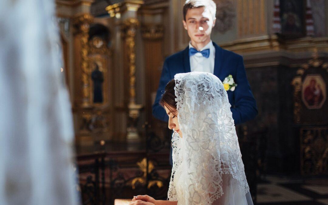 Najpiękniejsze chrześcijańskie życzenia ślubne dla młodej pary